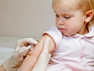 Что нужно знать о прививке АКДС